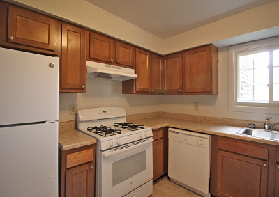 Lake Shore Park Apartments - Refurbished Kitchen