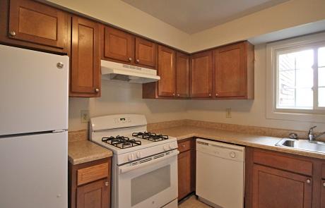 Lake Shore Park Apartments - Refurbished Kitchen