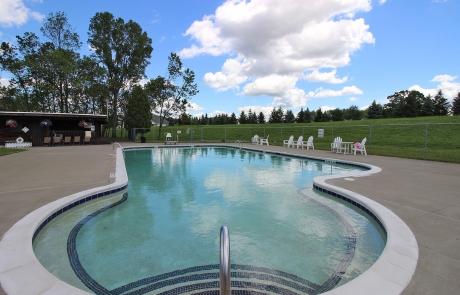 Lake Shore Park Apartments - Pool