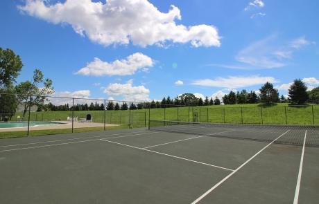 Lake Shore Park Apartments - Tennis Court
