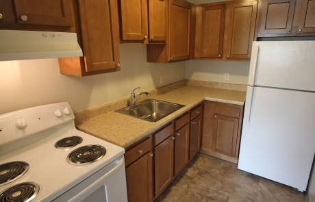 Valley View Apartments - Kitchen